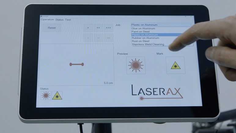 Mobile Laser Cleaning System user interface